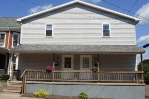 121 123 Iron St Bloomsburg PA B&L Properties Student Housing Front