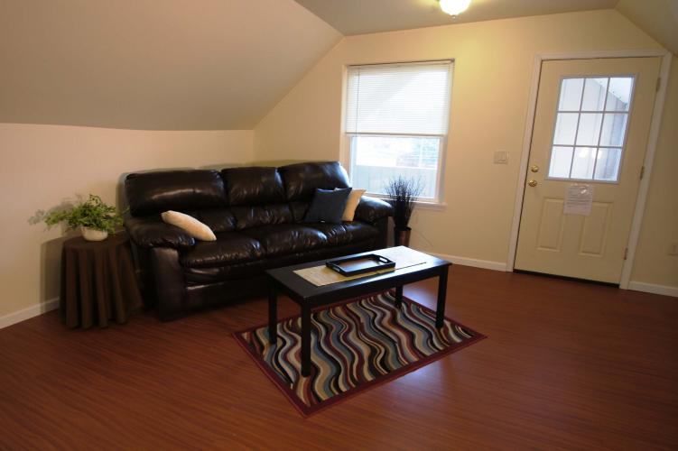 137-2 E 3rd St | Bloomsburg, PA Student Housing
